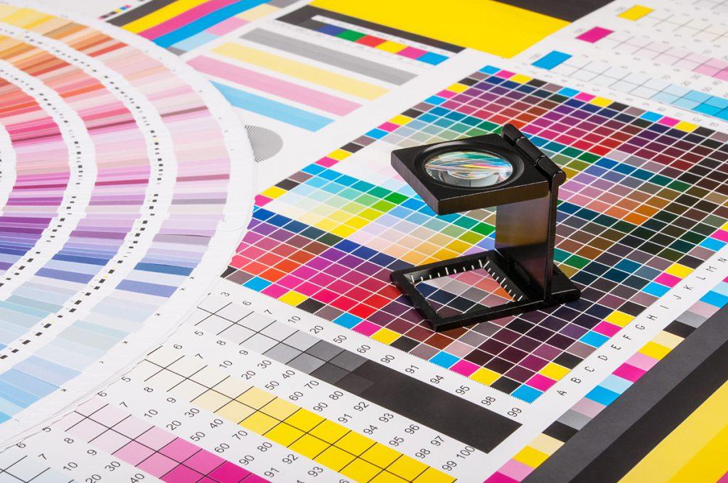 プラスチックカードをもっと安く早く作成する。オンデマンド印刷のメリット・デメリット。